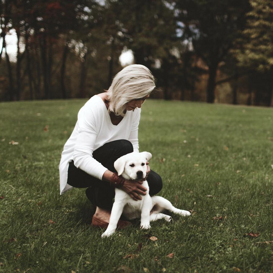 elaine pauly with dog